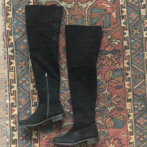 Stuart Weitzman Hilo black suede boot